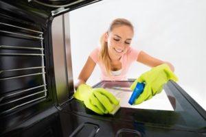 Jak szybko i skutecznie wyczyścić piekarnik oraz kuchenkę? | Porady TAK!